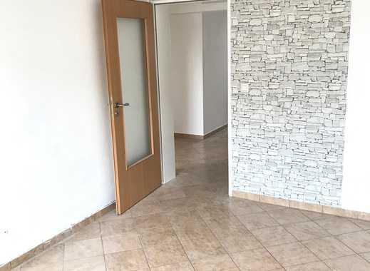 Modernisierte 3,5-Zimmer-Wohnung mit Laubengangbalkon in Herten