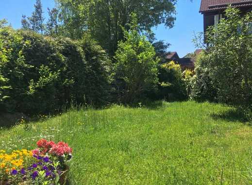 Sehr geräumiges Reihenhaus mit liebevollem Garten in bester Lage