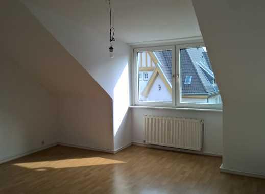 Helle renovierte 2,5 Zimmer Dachgeschosswohnung im beliebten Stadtteil Düsseldorf-Pempelfort