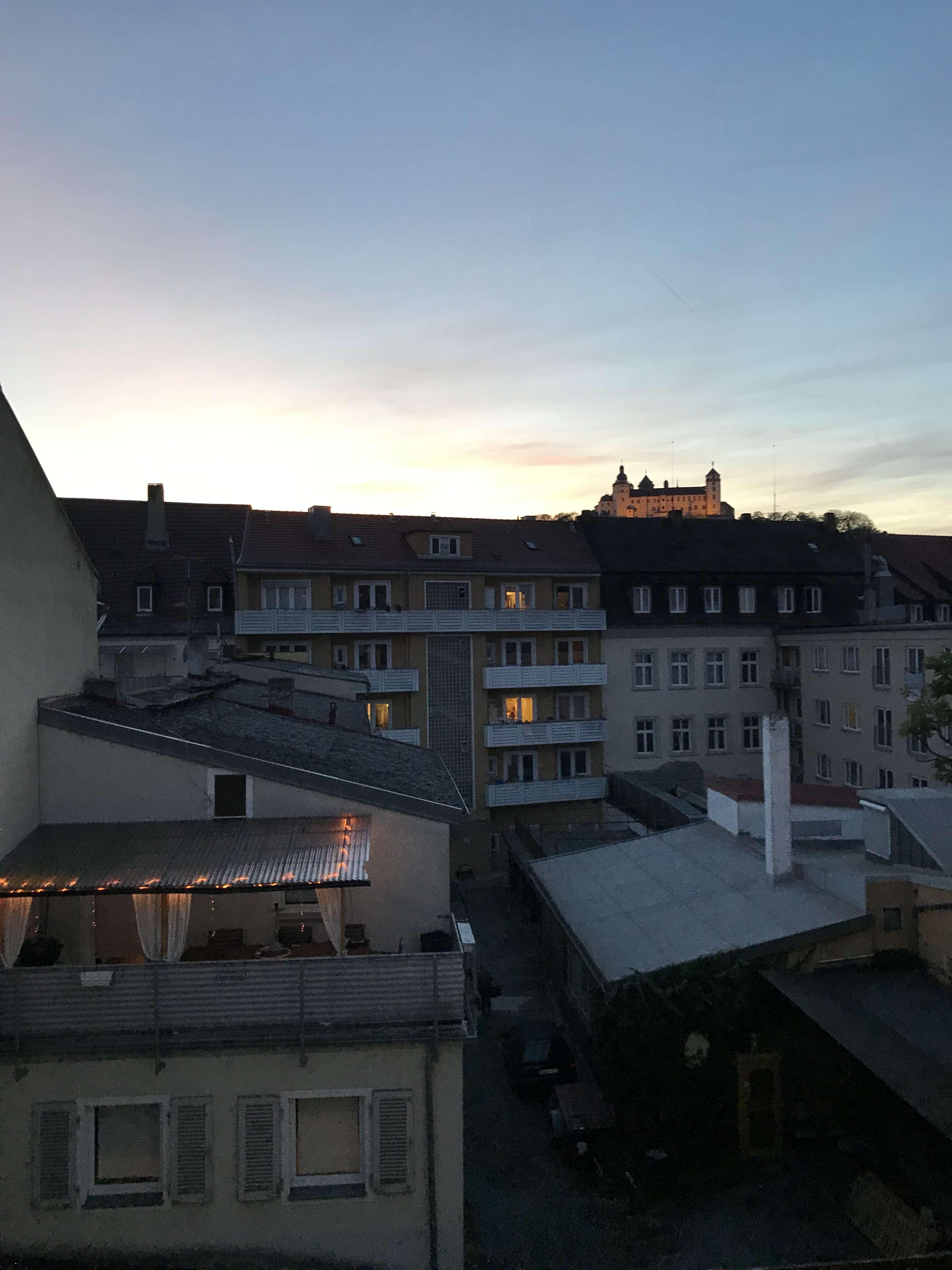 Einzimmerwohnung in der Innenstadt! Beste Lage! Nur Zwischenmiete! in Peter (Würzburg)