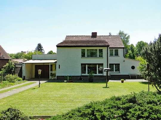 Sanierungsbedürftiges Wohnhaus im grünen Zeesen - Bild 2