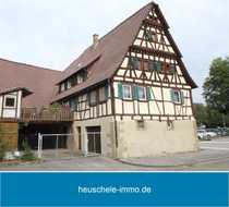Denkmalgeschütztes Fachwerkhaus mit großer Scheune