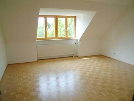 Gut geschnittene 3-Zimmer DG Wohnung in Markt Schwaben in Markt Schwaben