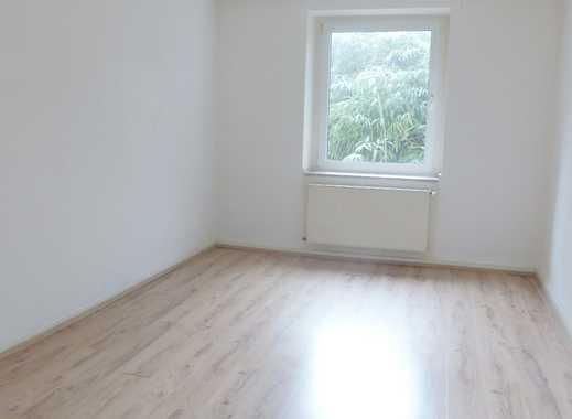 Helle und gemütliche 2 Zimmer-Erdgeschoßwohnung mit Wohnküche und Loggia