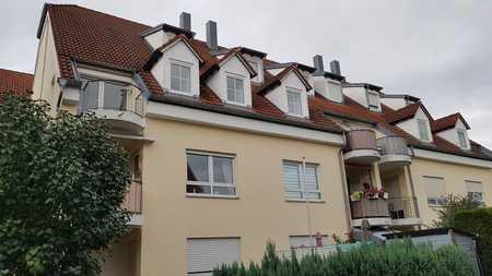 Vollständig renovierte Dachgeschosswohnung mit drei Zimmern und Balkon in Gessertshausen in Gessertshausen