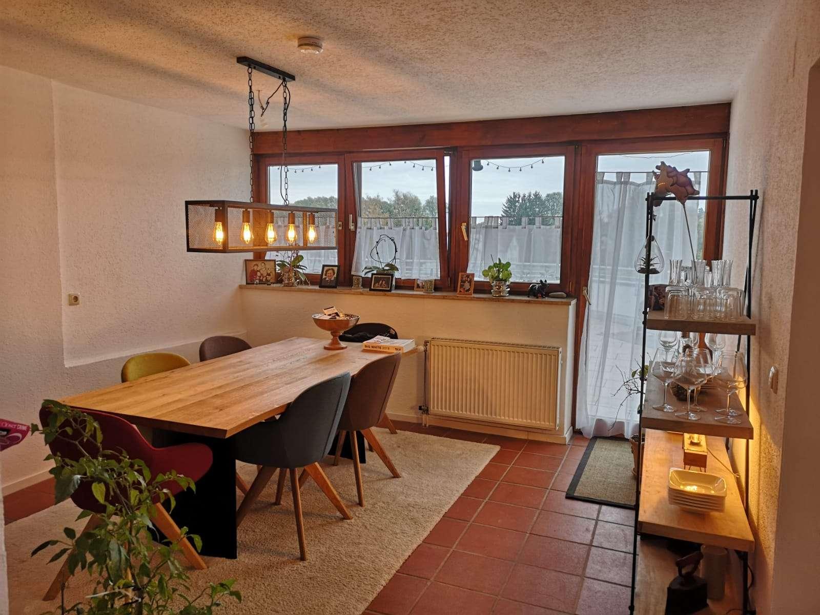 Besondere 3-Zimmer-Wohnung mit einzigartiger Dachterrasse in Dasing in