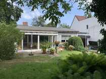 Einfamilienhaus in Bungalow-Bauweise mit ausgebautem
