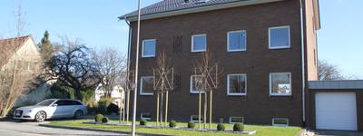 Sanierte 4-Zimmer-DG-Wohnung mit Balkon und Einbauküche in Minden