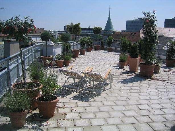 Zentral gelegene 4-Zimmer-Maisonett-Wohnung mit großer Terrasse in Maxvorstadt, München