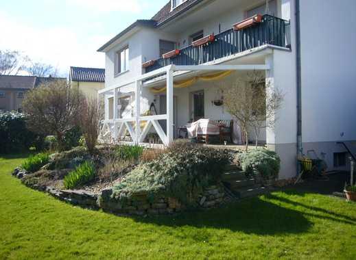 Wie im eigenen Haus: Garten, Terrasse, Garage! Helle 3,5-Zimmer-Wohnung in freistehendem 3-Fam.-Haus