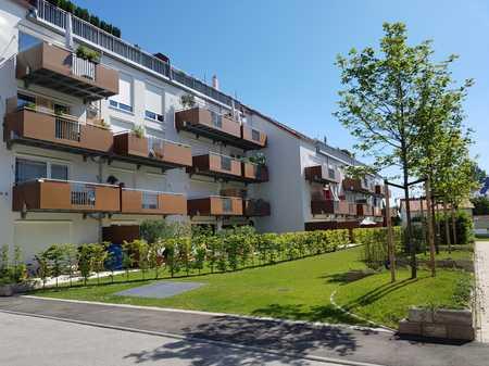 Helle 3,5-Zimmerwohnung mit Südbalkon, Wohnküche und großem Bad in Markt Schwaben