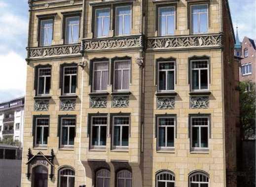 4 Zimmer-Wohnung in Kulturdenkmal im Stuttgarter Süden