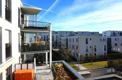 Exklusive, vollständig renovierte 4-Zimmer-Wohnung mit Balkon und EBK in München (Trudering-Riem) in Riem
