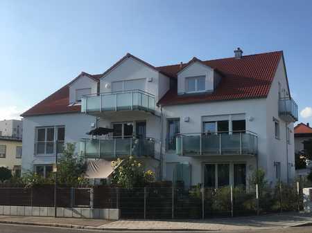Moderne Obergeschoßwohnung mit EBK u. Balkon in gehobener Ausstattung / Audi Nähe in Nordost (Ingolstadt)