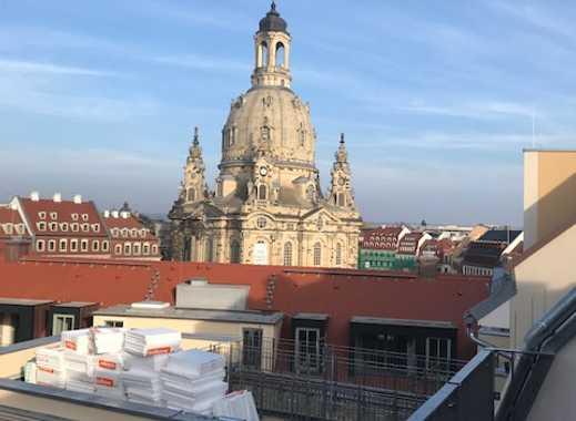 * Dachgeschosswohnung mit Traumblick zur Frauenkirche *