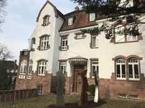 Helles Büro in repräsentativer Altbau-Villa