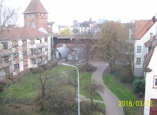 3 ZKB 98 m² auch als 2er WG, großzügig mit gr. Balkon + Aufzug