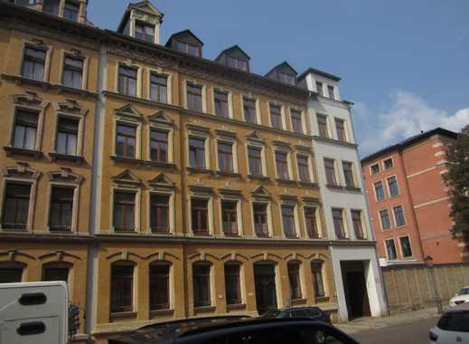 ZWANGSVERSTEIGERUNG - 1 -Zimmer Dachgeschosswohnung mit PKW-Stellplatz in Zentrumsnähe
