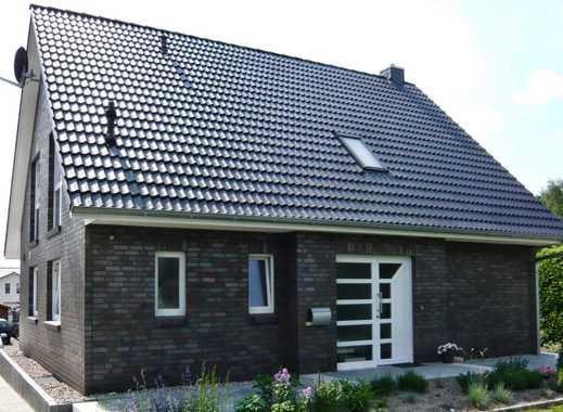 Einfamilienhaus mit Garage , ca. 126 m2 Wfl., 696 m2 Grundstück (auch als Mietkaufvariante möglich)