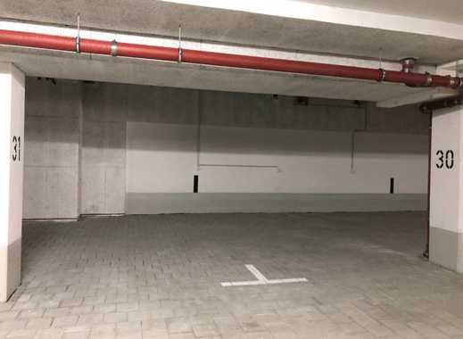Großzügiger Garagenstellplatz in einer kleinen Neubauanlage im Zentrum von Putzbrunn