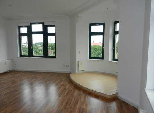 geräumige 2-Raum-Wohnung mit Einbauküche & Laminat im sanierten Altbau