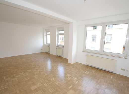 myHome-Immobilien / Großzügige, helle NEU RENOVIERTE Traum 2 Zi-Wohnung mit Parkett, tolles Bad