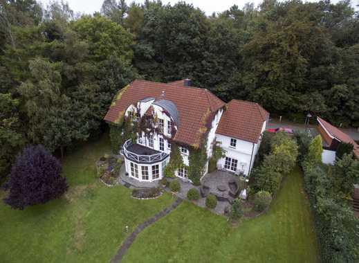Ideal für die große Familie! Einfamilienhausvilla mit Grundstück am Wasser vor den Toren Hamburgs