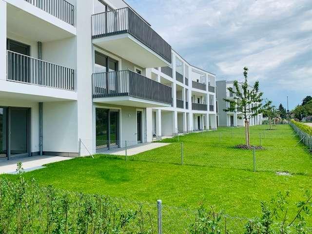 Erstbezug: stilvolle 3-Zimmer-DG-Wohnung mit Einbauküche und Balkon in Vaterstetten in
