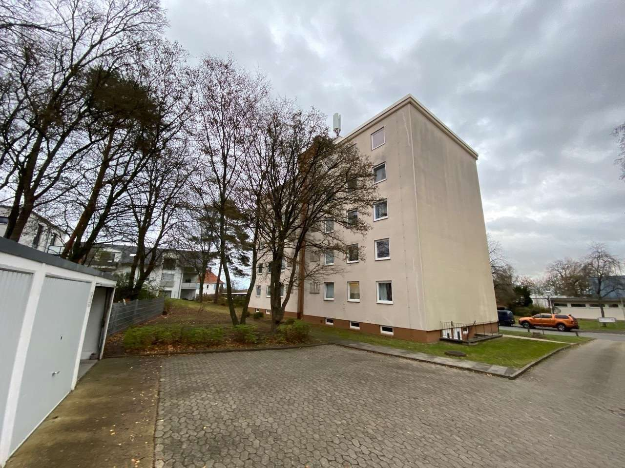 Erstbezug nach MODERNISIERUNG: 4-Zimmer Wohnung in Coburg - Wüstenahorn in Coburg-Zentrum (Coburg)
