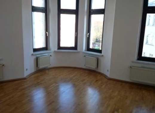 Gohlis, großzügige 4-Raum-WE mit Loggia, Parkett und Einbauküche