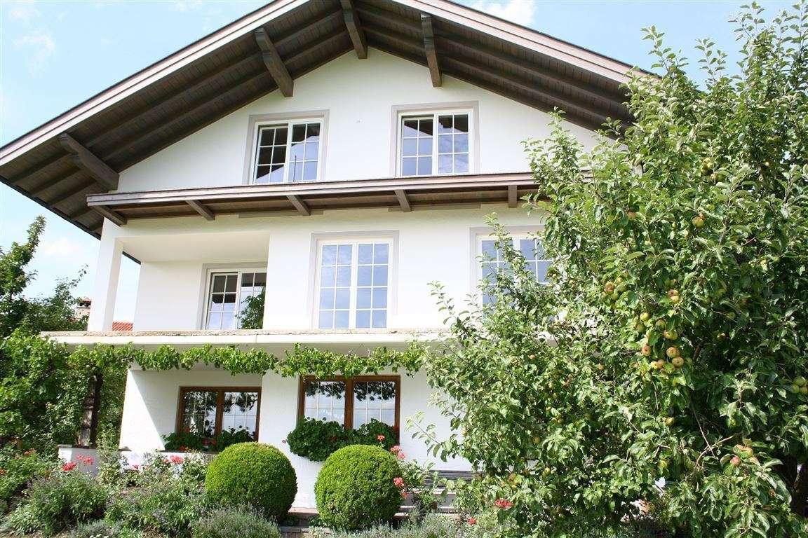 Hochwertige Wohnung in ruhiger Lage mit Bergblick zu vermieten in Riedering