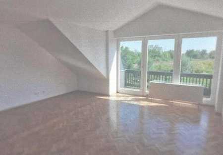 Tolle 4-Zimmer-DG-Wohnung mit ca. 106 m² Wohnfläche in Deggendorf in Deggendorf