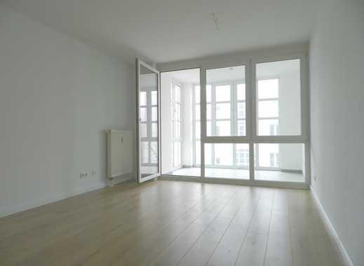 Hallo Familien - 3-Zimmer-Wohnung mit Wintergarten in grüner Wohnanlage in Köpenick !!