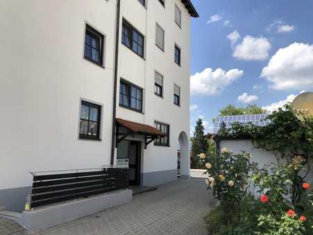Helle geräumige 3 Zimmerwohnung mit hochwertiger Einbauküche im Herzen von Töging in Töging am Inn