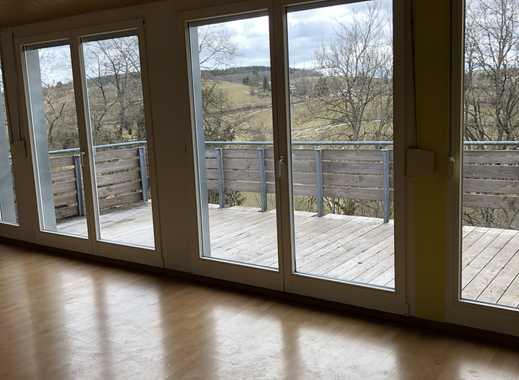 Ruhige, helle Wohnung mit grossem Balkon