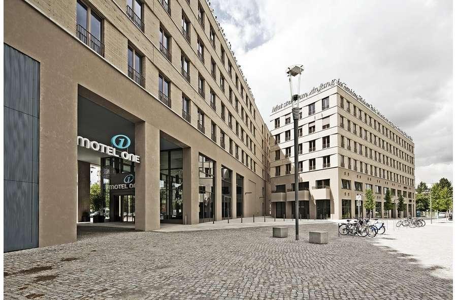Blick auf Bürogebäude