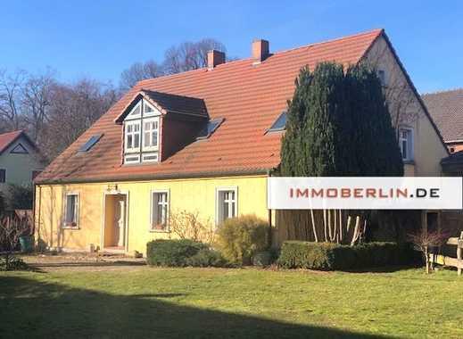 IMMOBERLIN: Klassischer Dreiseithof mit romantischem Ambiente