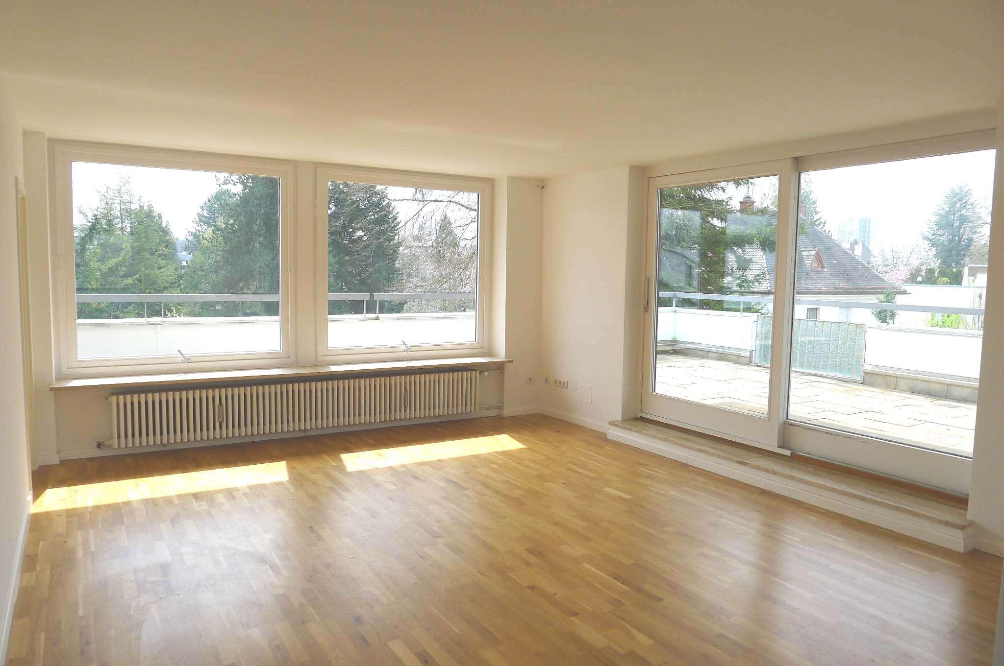 Helle 2-Zimmer Dachgeschosswohnung mit zwei Dachterrassen in Harlaching !!!