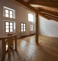 Neu renovierte 4-Zimmer Maisonette-Wohnung für