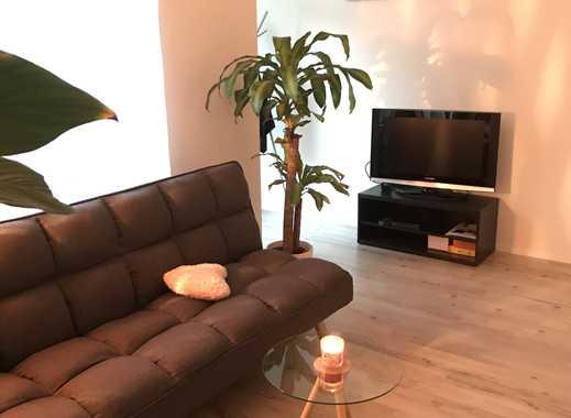 Schöne, frisch renovierte, möblierte und  geräumige ein Zimmer Wohnung in Erfurter Südstadt
