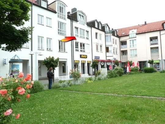 Lichtdurchflutete schöne 2-Zimmer-Wohnung in Ottobrunn- Zentrum am Margreider Platz in Ottobrunn