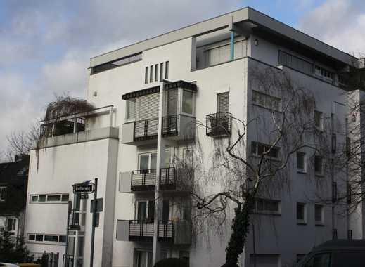 Wohnen in Frankfurt/Sachsenhausen, großzügige 3 Zimmerwohnung mit Balkon und Lift
