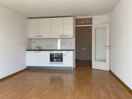 COSIMAPARK - V. PRIVAT - MODERNE 1-Zi-Wohnung mit EBK, Bad mit Badewanne und Süd-Balkon in Bogenhausen (München)