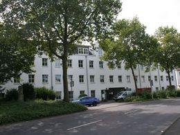 Gebäude Vorderansicht
