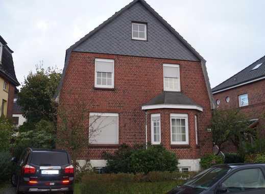 **Gepflegtes, vermietetes 2-Familienhaus mit kleinem Garten zu verkaufen**