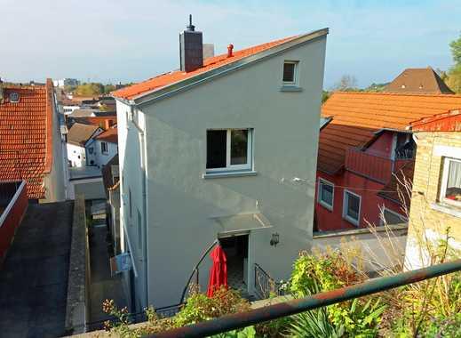 HEMING-IMMOBILIEN -  Teilsaniertes EFH mit Nebengebäude und Hochgarten