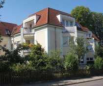Bild Wohnen wie im eigenen Haus: Schicke Maisonette-Wohnung mit Garten in 12526 Berlin