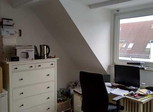 Vollständig renovierte 3-Zimmer-Wohnung mit Balkon und Einbauküche in Bremen