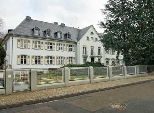 Sehr schöne Altbauwohnung in Waldrandlage sucht nette Mieter !