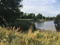 Wassergrundstück mit See
